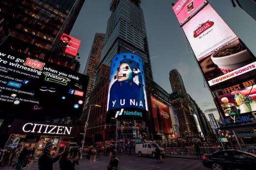 Yuna dipaparkan di NASDAQ Billboard di New York Times Square