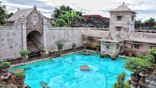 Taman Sari Water Castle Yogyakarta historical touris destinations