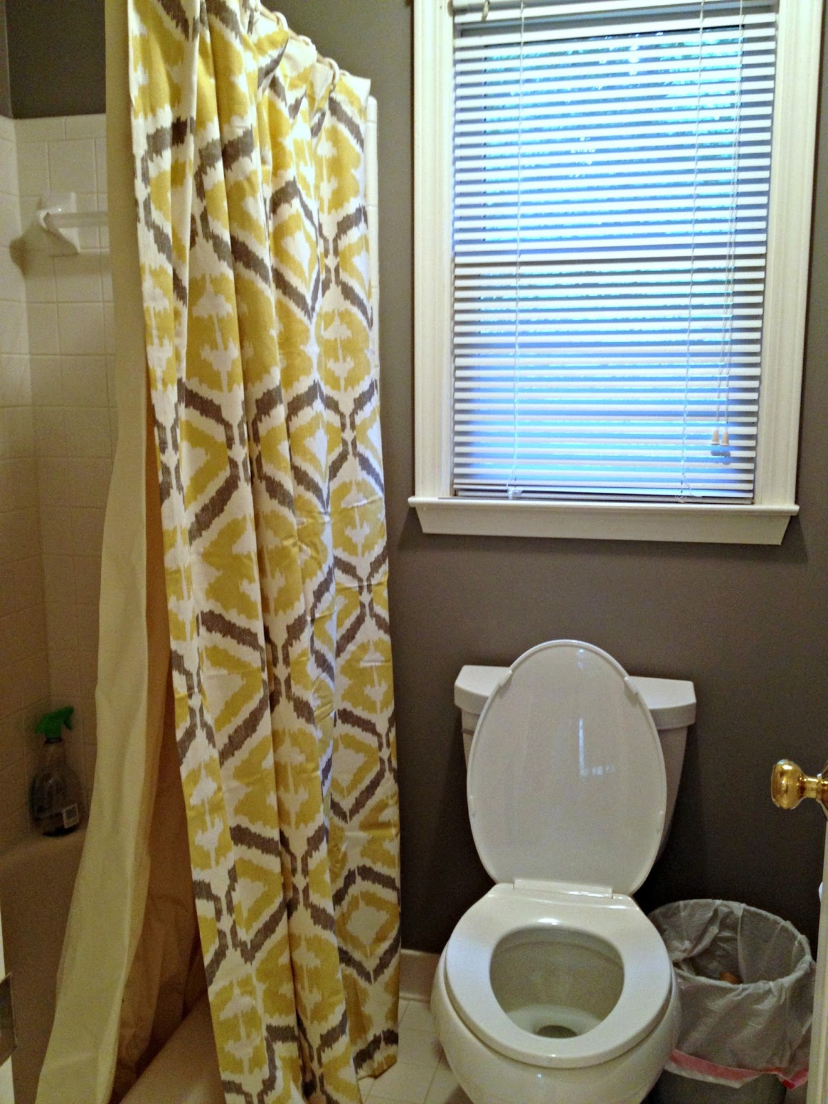 grey and yellow bathroom towels. Black Bedroom Furniture Sets. Home Design Ideas