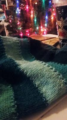 knitting a cowl with Knit Picks Palette http://shareasale.com/r.cfm?b=738953&u=1446317&m=59159&urllink=&afftrack=