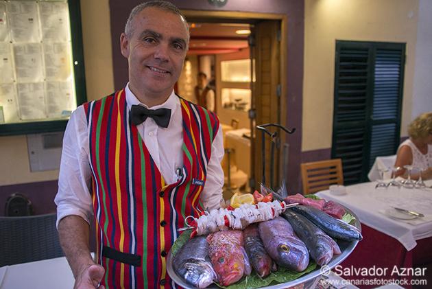 http://www.diariosdeunfotografodeviajes.com/2014/07/gastronomia-de-madeira.html