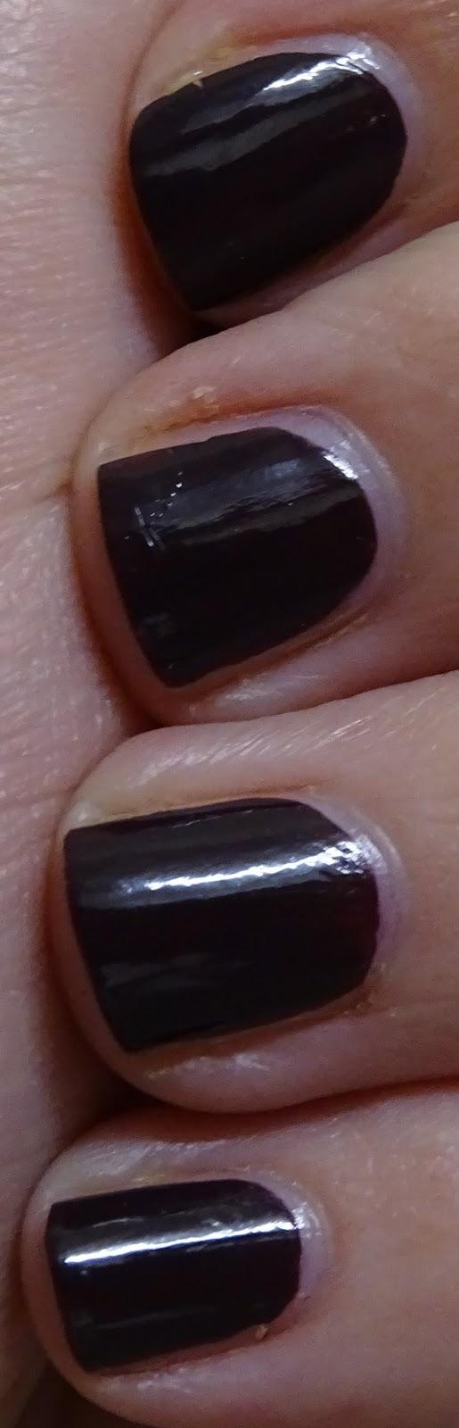 Das Mini bloggt: [Nagellack] Catrice 38 Vino Tinto