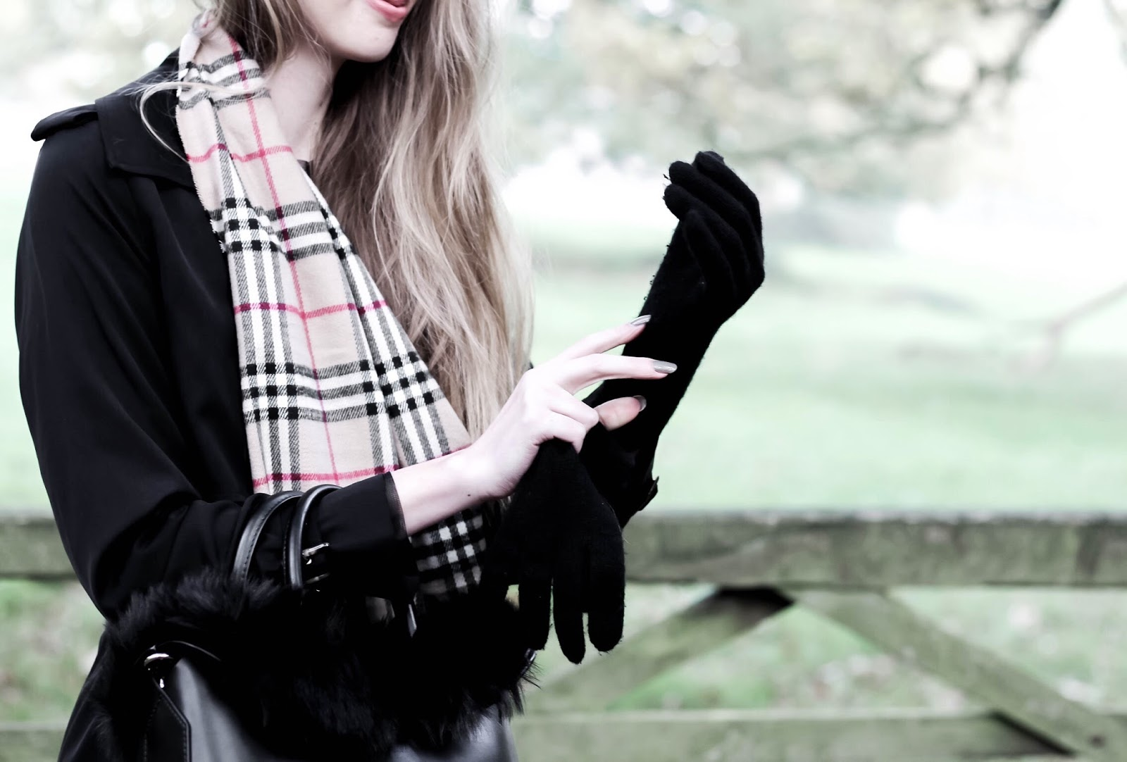Jaeger Black Cashmere Ladies Gloves