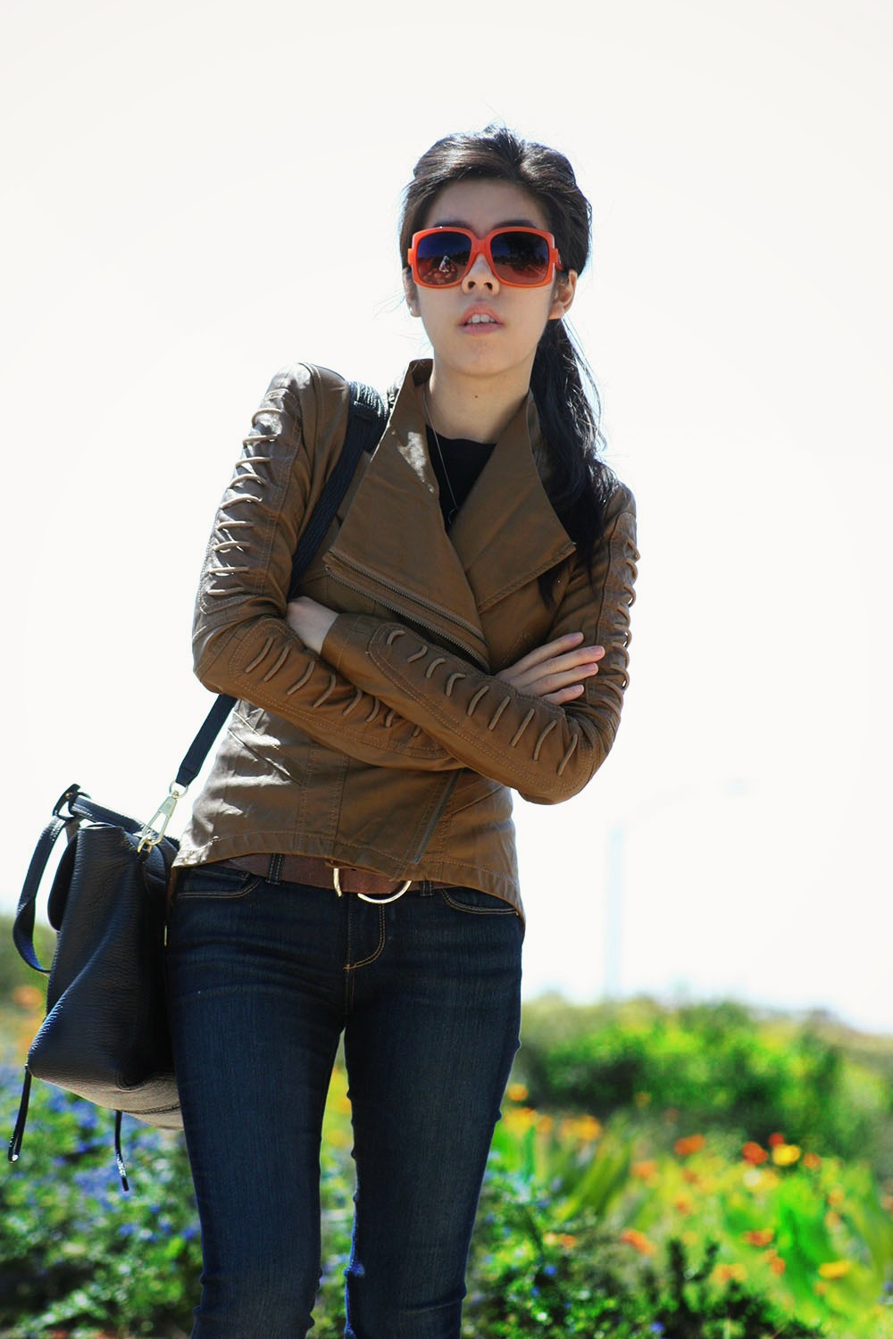 Adrienne Nguyen_Invictus_How to Wear Flare Jeans_Flare Jeans and Black T-Shirt Combination