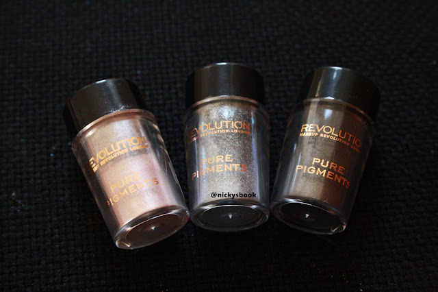 cb343b292d6 Ahojky, zase ty pigmenty. :-) Mám pořád chuť zkoušet nové produkty a když  jsem viděla, že je prodává i značka Makeup Revolution, která je moje  oblíbená ...