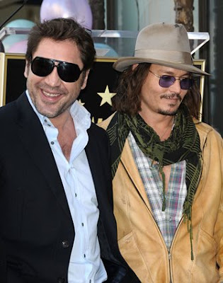 johnny-depp-is-gentleman-javier-bardem