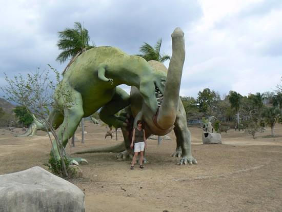 Andi Khairul 48: taman tema jurassic park yang real di cuba.