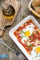 Jajka z pomidorami