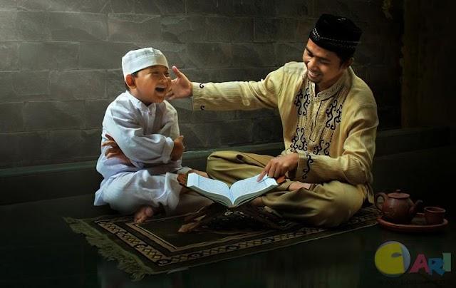 Guru Dan Murid Tertawa Karena Beda Pendapat