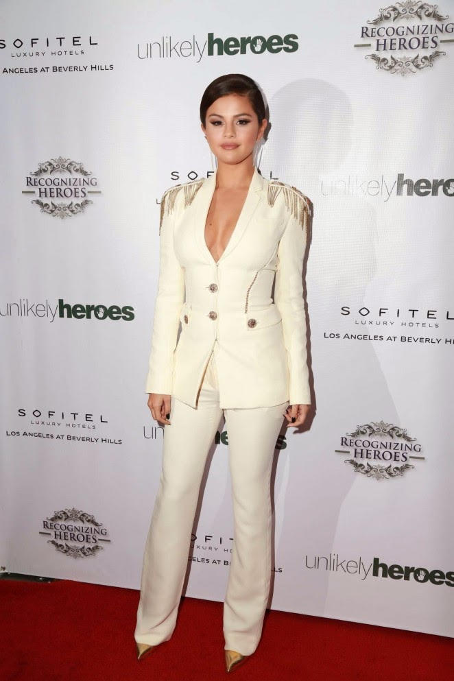 Concierge4fashion The Most Beautiful Girl In The World: Concierge4Fashion: Selena Gomez In A Plunging Versace