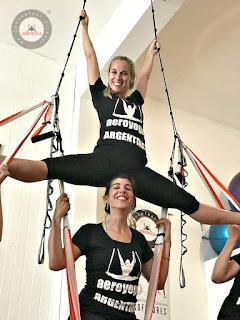 yoga aereo, aero yoga, aerial yoga, yoga, pilates, fitness, testimonios, criticas, comentarios, foros, teacher training, cursos, formacion, profesorado
