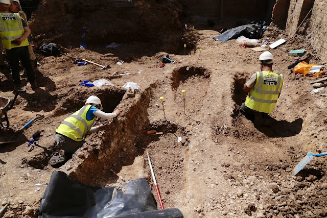 200 year old Quaker burial site uncovered at Brighton Dome