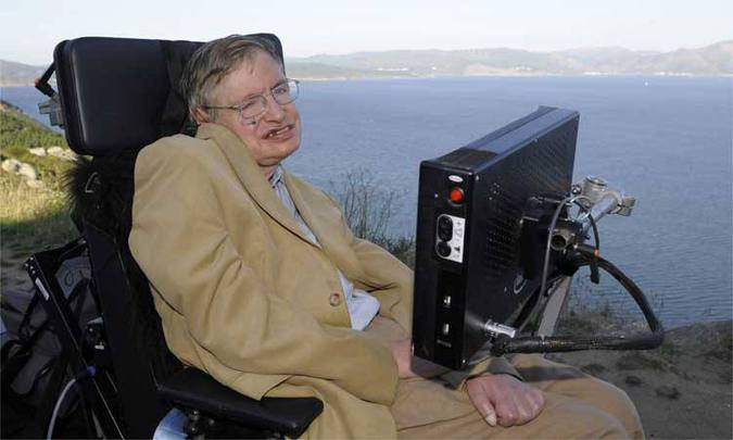 Hawking foi casado e teve três filhos (foto: JEWEL SAMAD)