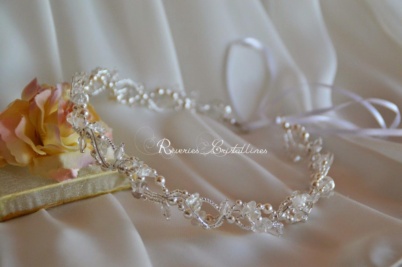 tiare en cristal blanc et transparent
