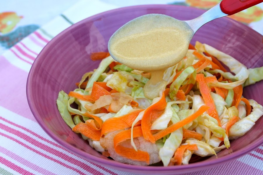 ensalada de col con vinagregreta de mostaza (american coleslaw) sin lactosa