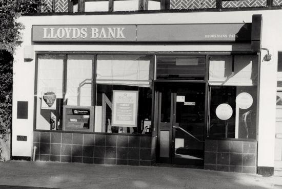 Photograph of Lloyds Bank, Bradmore Green in 1994 - Image from N Akers and the NMLHS