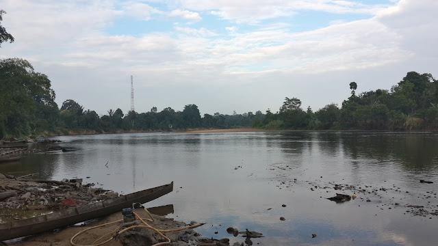 Sungai Mendalam sedang surut