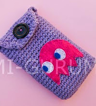 http://www.ravelry.com/patterns/library/funda-para-movil---cell-phone-case