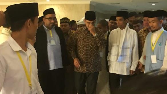 Saat Anies Jemput Ustaz Somad di Forum Dai Asia Tenggara-Afrika-Eropa