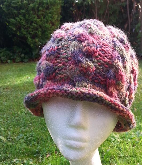 czapka z kolekcji ggw fashion