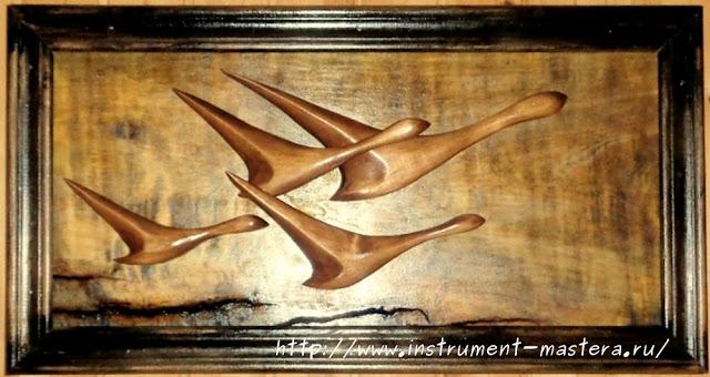 резное деревянное  панно