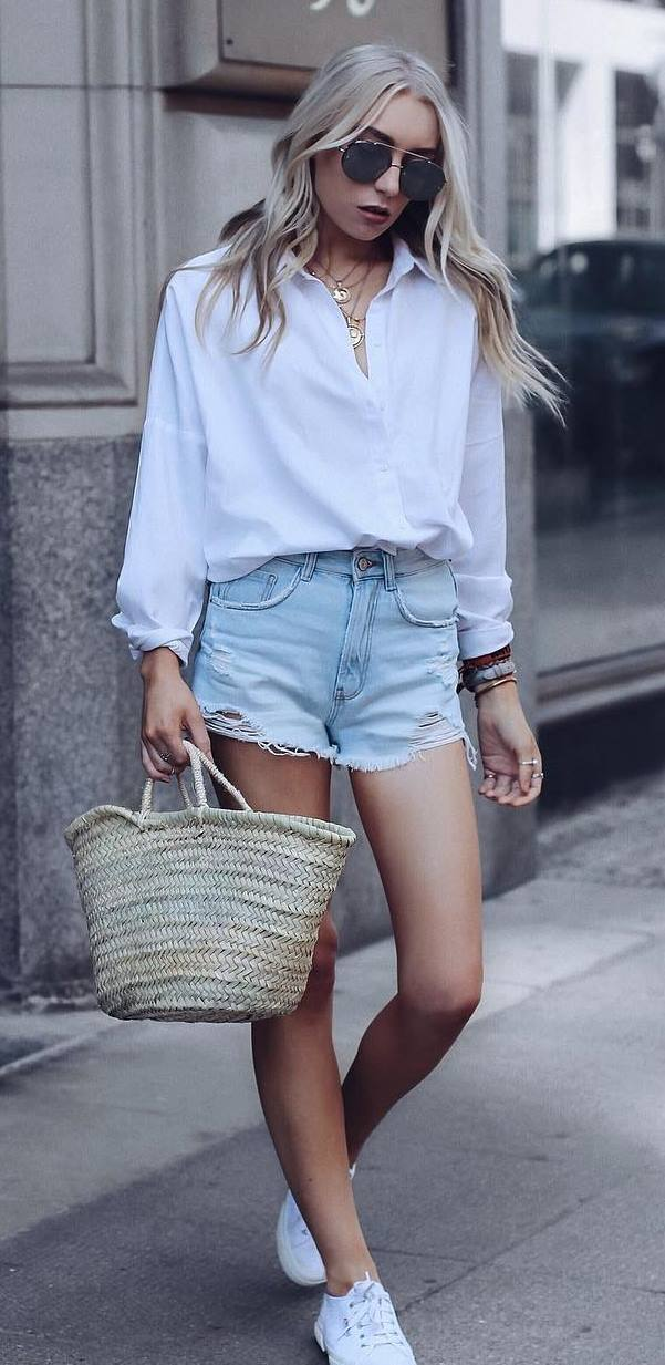 casual style obsession / white shirts + bag + denim shorts + sneakers