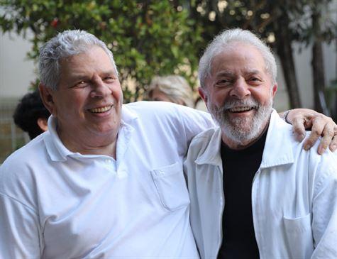 Lula desiste de viagem a SP após enterro de irmão e irá encontrar familiares no PR