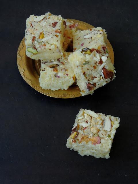 Coconut Mawa Burfi,Khoya Thenga Burfi