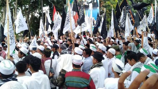 Massa di Lombok Gelar Aksi Bela Tauhid