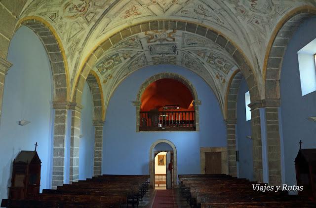 Interior de la Iglesia de San Pedro de Villanueva de Cangas de Onís