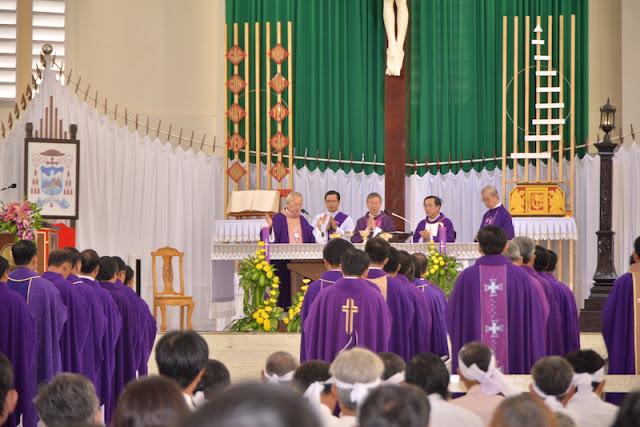 Thánh Lễ an táng Cha Phêrô Bùi Thanh Xuân - Gp Vĩnh Long - Ảnh minh hoạ 10