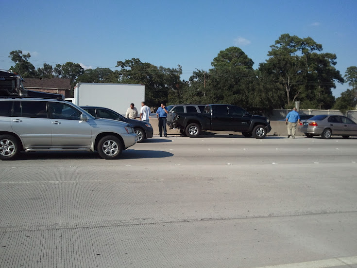 South Texas Trucking 18-wheeler accident on North 610 Loop