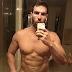 Dan Bilzerian rei da ostentação do Instagram posta foto pelado