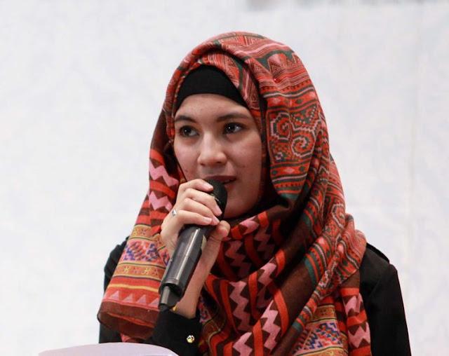 Saat Menggunakan Jilbab Mukamu Berjerawat? Coba 5 Tips Ini Agar Cerawat Hilang Dari Mukamu, Cewek Wajib Baca!