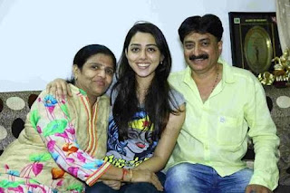 jheel mehta With Family