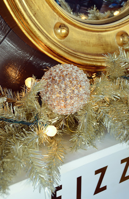 Glam Gold New Year's Eve Decor With Treetopia /// By Design Fixation