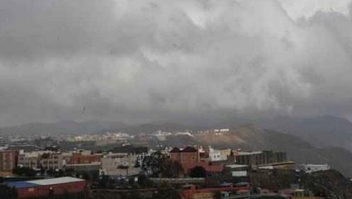 الأرصاد: انخفاض درجات الحرارة غدا .. ورياح وأمطار على القاهرة