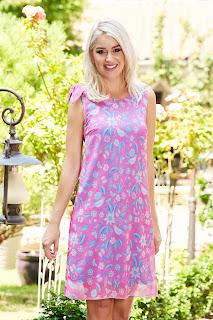 Rochie StarShinerS roz scurta de zi cu un croi drept