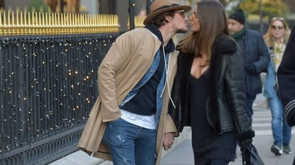 Misse Beqiri and Jake Hall kissing
