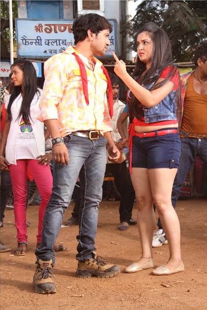 Bhojpuri Actress Amrapali Dube and  Dinesh Lal Yadav Nirahua HD Wallpaper Download