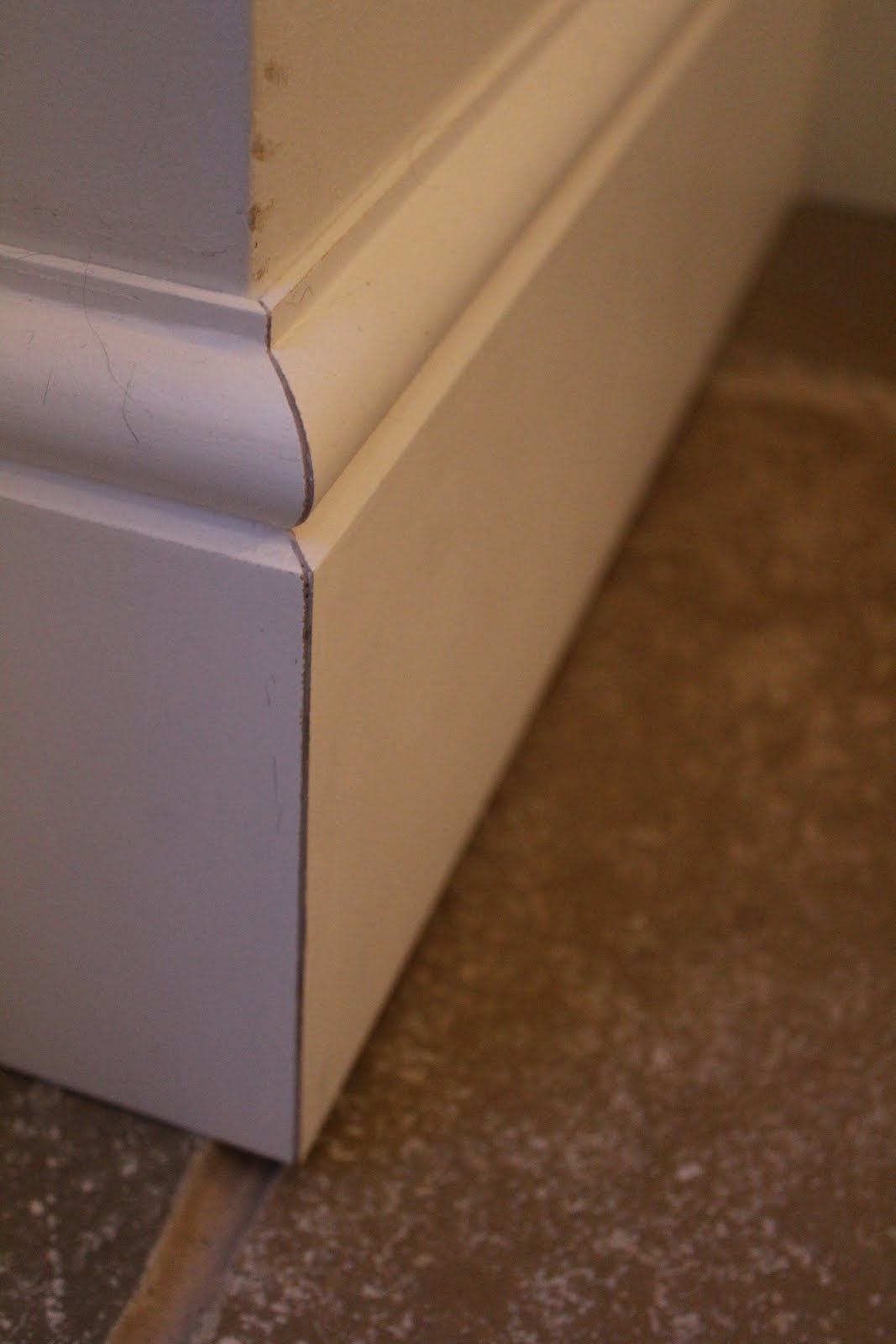 How to get a crisp join between skirting boards