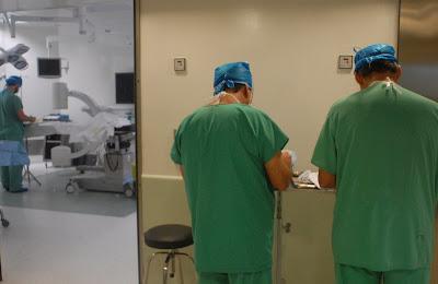 El 51% de los medicos intensivistas sufre síndrome de Burnout.