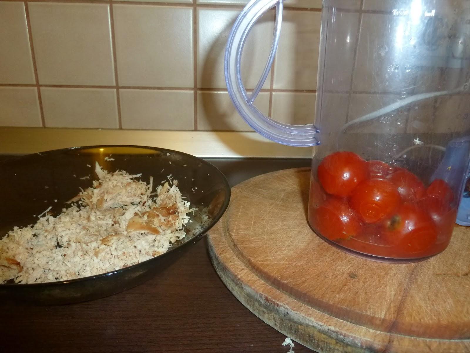 Paste cu piept de pui de tara si sos de rosii facut in casa - reteta pentru copii