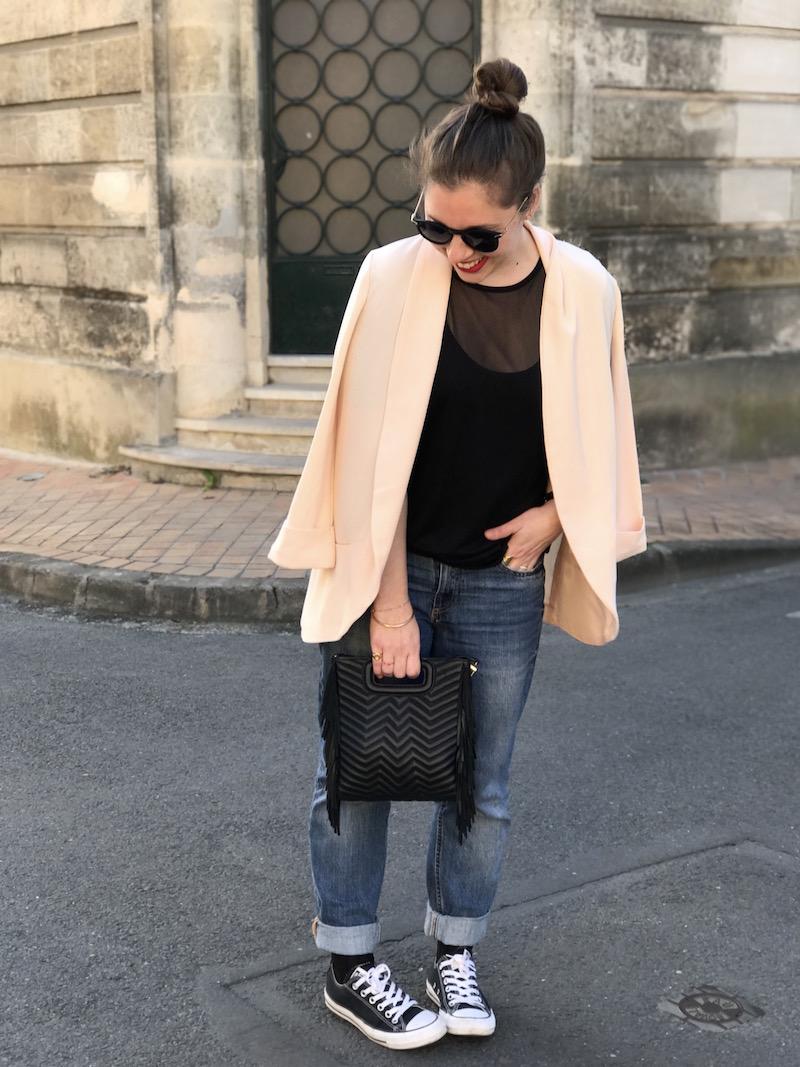 top noir transparent missguided, blazer rose Pimkie, jean H&M, converse noir, sac M Maje, lunette de soleil Asos