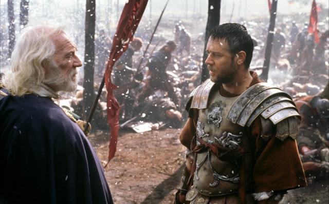 El fallecido Richard Harris y Russell Crowe al inicio del film