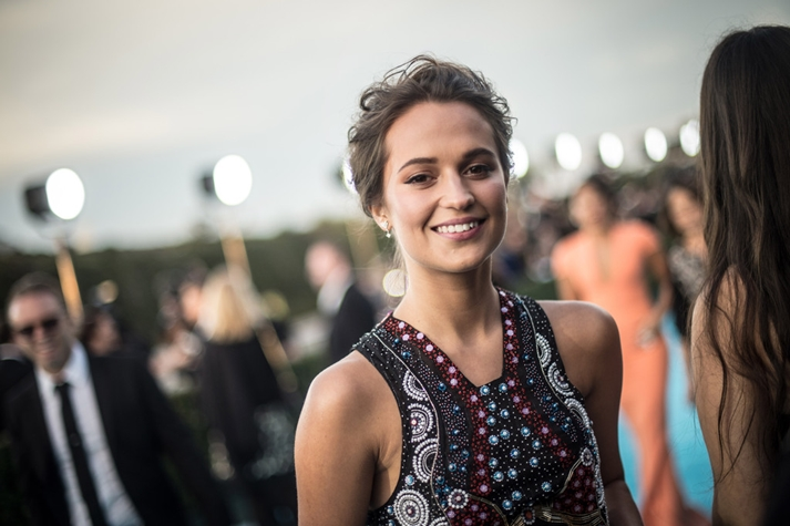 Alicia Vikander en la Alfombra roja de los 21 Critics Choice Awards