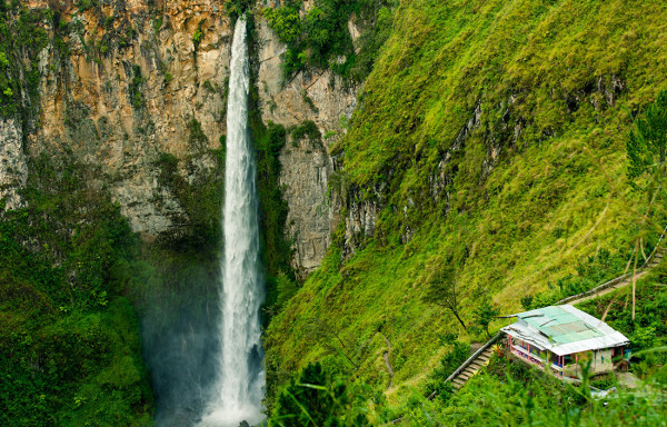 Air Terjun Sipiso-Piso Tongging di Sumut