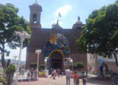 Párroco se roba víveres para damnificados de centro de acopio en Ecatepec