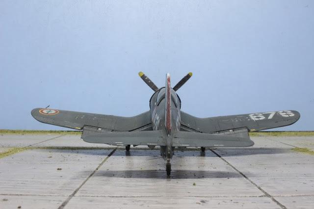 Maquette du F4U-7 Corsair French Navy de Revell au 1/48.