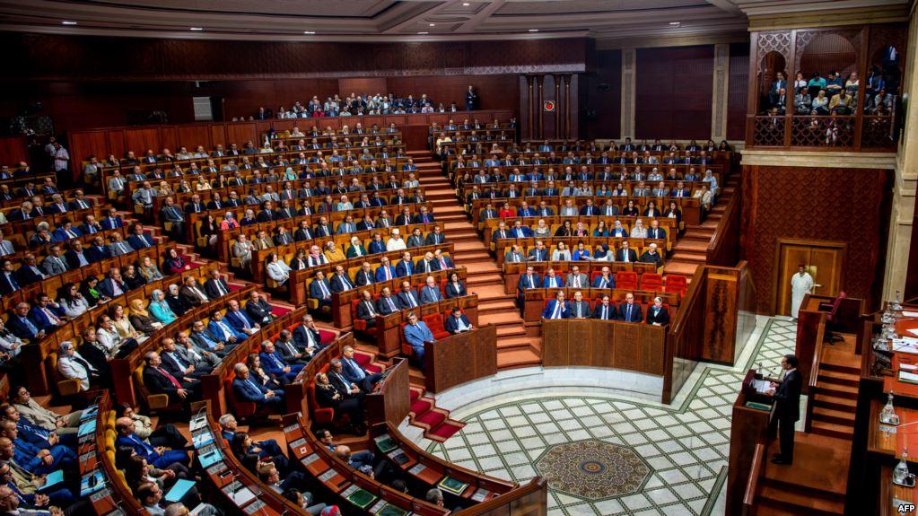 رغم بلاغ أحزاب الأغلبية حول تعليم المواد العلمية باللغات الأجنبية.. الفرق البرلمانية تعجز عن التوافق من جديد
